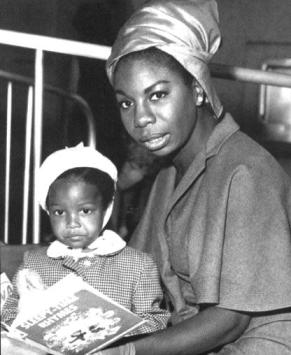Nina Simone reading to her daughter